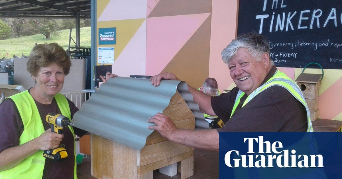Tinker dressmakers: the grassroots activity redeeming the right to fix|Life and design|The Guardian
