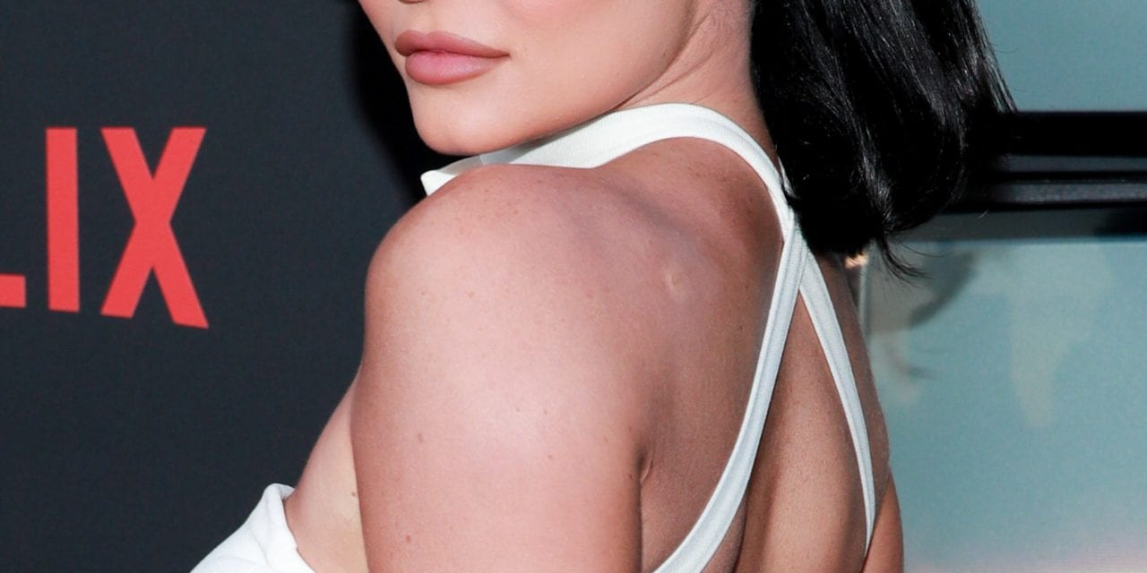 Kylie Jenner relates to hallmark 'increase and also shine,' irks Twitter