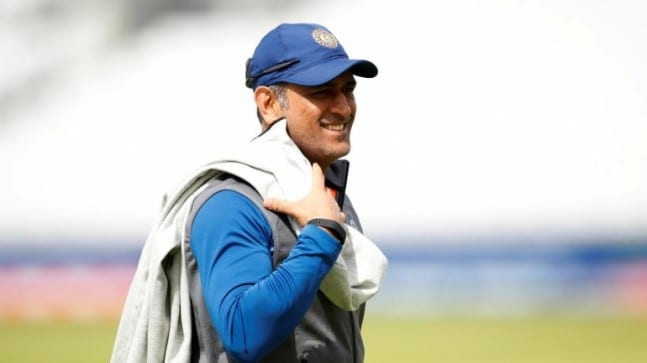 MS Dhoni has earned the right to retire when he wants to: Ravi Shastri – Sports News