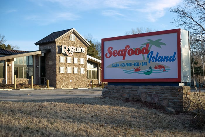 Seafood Island Cajun-style restaurant to open in former Ryan's Buffet space in Shawnee