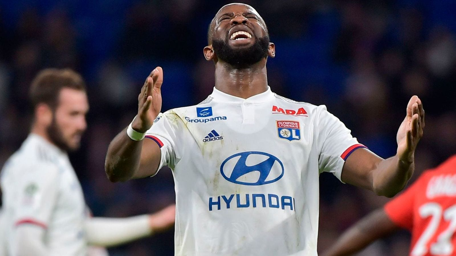Moussa Dembele: Chelsea fail with £34m bid for Lyon striker | Football News | Sky Sports