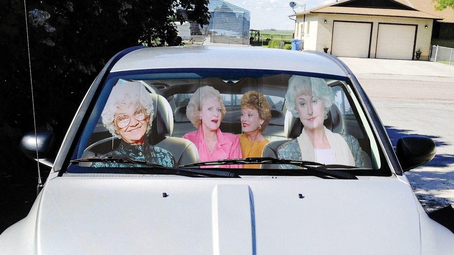 Keep Your Auto Great In Design This Summer season With This 'Golden Girls' Sunlight Shade