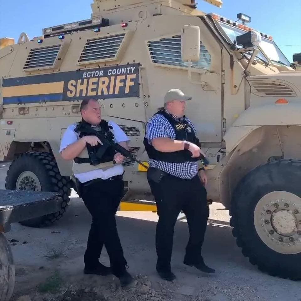 Texas Sheriff Raids Bar Demonstration With Military-Style Attack Lorry, SWAT Team: Apprehensions as well as Outrage Occur