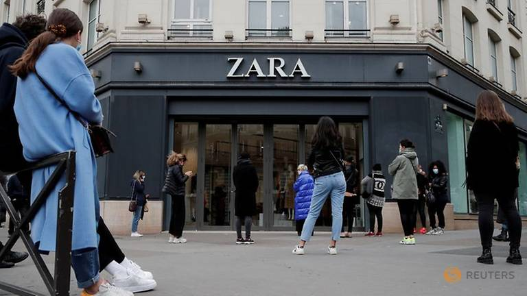 Zara owner to close up to 1,200 fashion stores worldwide after facing first loss