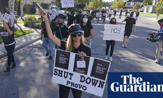 Paris Hilton leads protest calling for closure of Utah school   Life and style   The Guardian