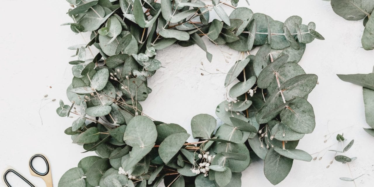 Unusual DIY Christmas Wreaths To Make This Year – My Daily Magazine – Art, Design, DIY, Fashion and Beauty !