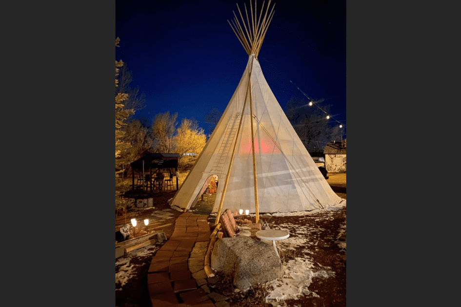 Colorado restaurant opens tipi-style dining option amid indoor dining closure | OutThere Colorado