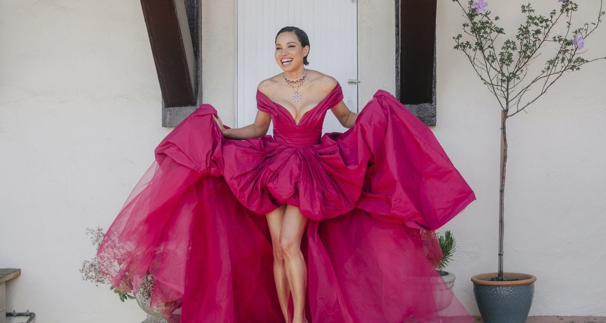 Celebrities reveal their red carpet looks for the 2021 Screen Actors Guild Awards – Chicago Tribune