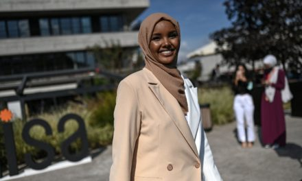 Supermodel Halima Aden reinvents modest fashion game in Istanbul | Daily Sabah