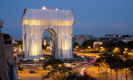 In Pictures: See the Spectacular Realization of Christo and Jeanne-Claude's Ultimate Dream to Wrap the Arc de Triomphe in Paris | Artnet News