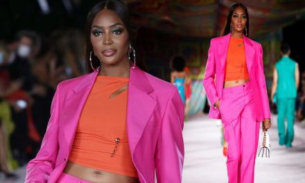 Naomi Campbell arrives at the Versace show at Milan Fashion Week   Daily Mail Online